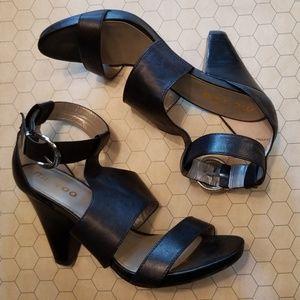 df7585e7d33e me too Shoes - Me Too Leather Dixie Sandal heels size 10